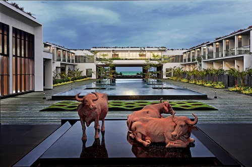 . Sheraton Grand Chennai Resort & Spa