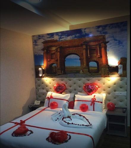 Hotel Timgad, Oran