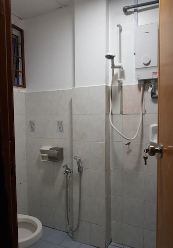 Anjung Apartment 3BR 3, Kuala Langat