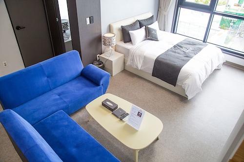 Shine Hotel, Suncheon