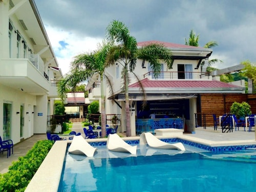 iCove Beach Hotel, Olongapo City