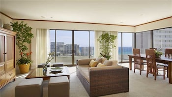 Lotus Honolulu at Diamond Head #1226 2 Bedrooms 1 Bathroom Condo