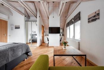 Piano Apartments