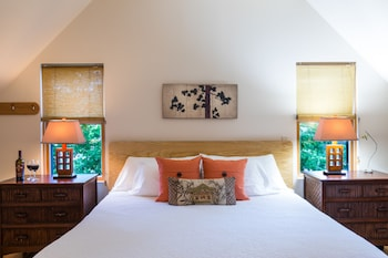 Luxury Loft, 1 King Bed, Fireplace