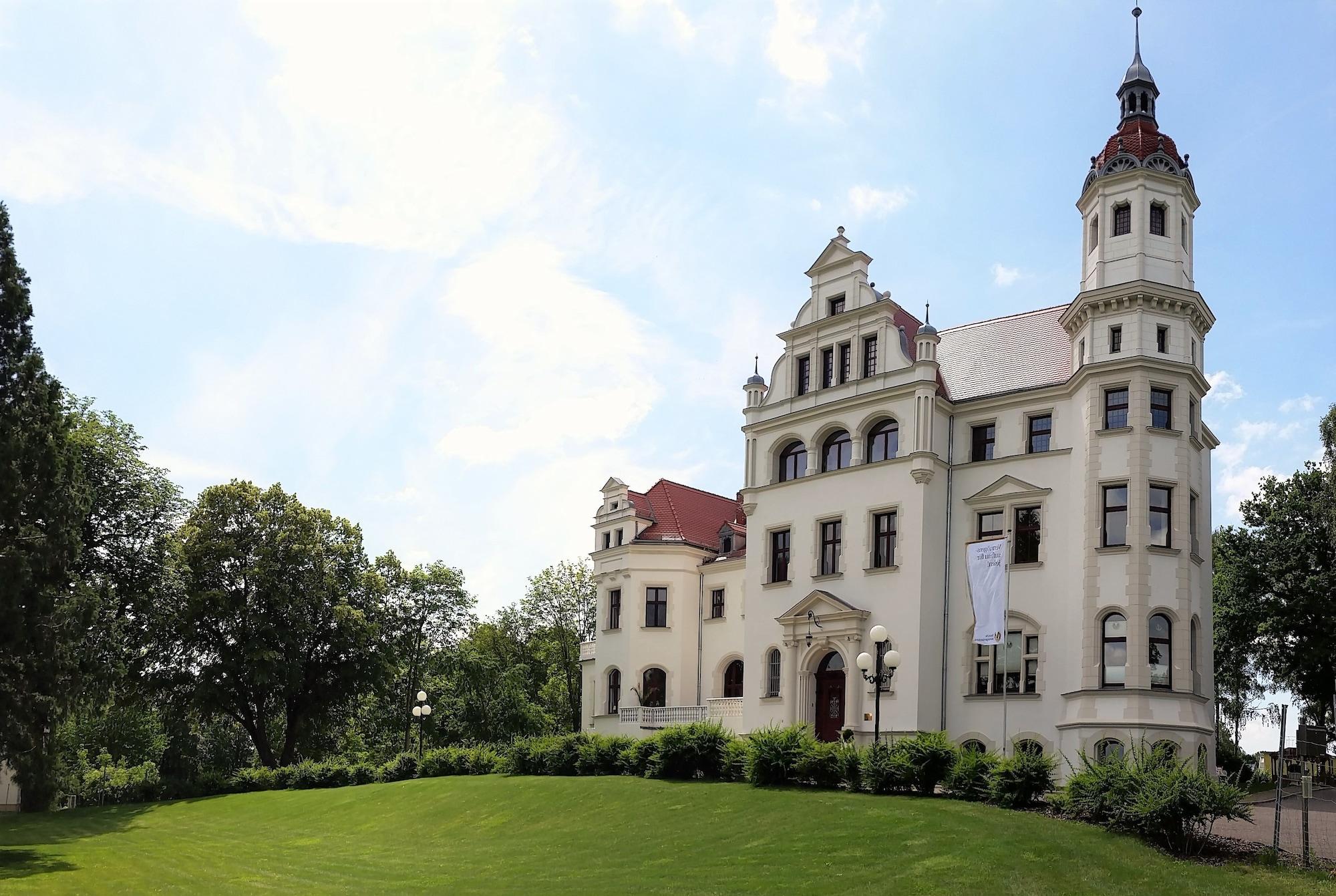 Schloss Gross Luesewitz, Rostock