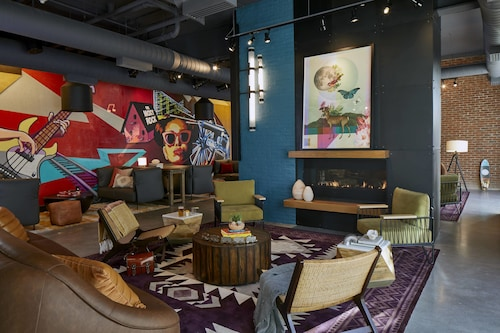 . Moxy Chattanooga Downtown