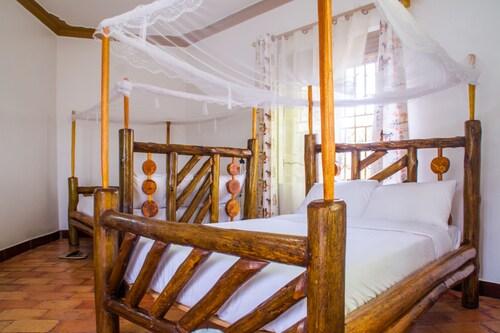 Queen Elizabeth Park View Tourist Lodge, Bunyaruguru