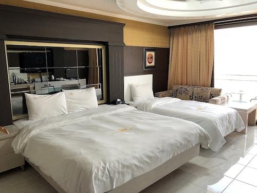 . Masan Tourist Hotel