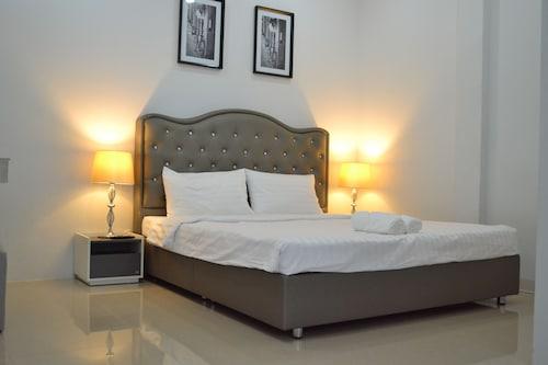 Icon Place Apartment, Khlong San