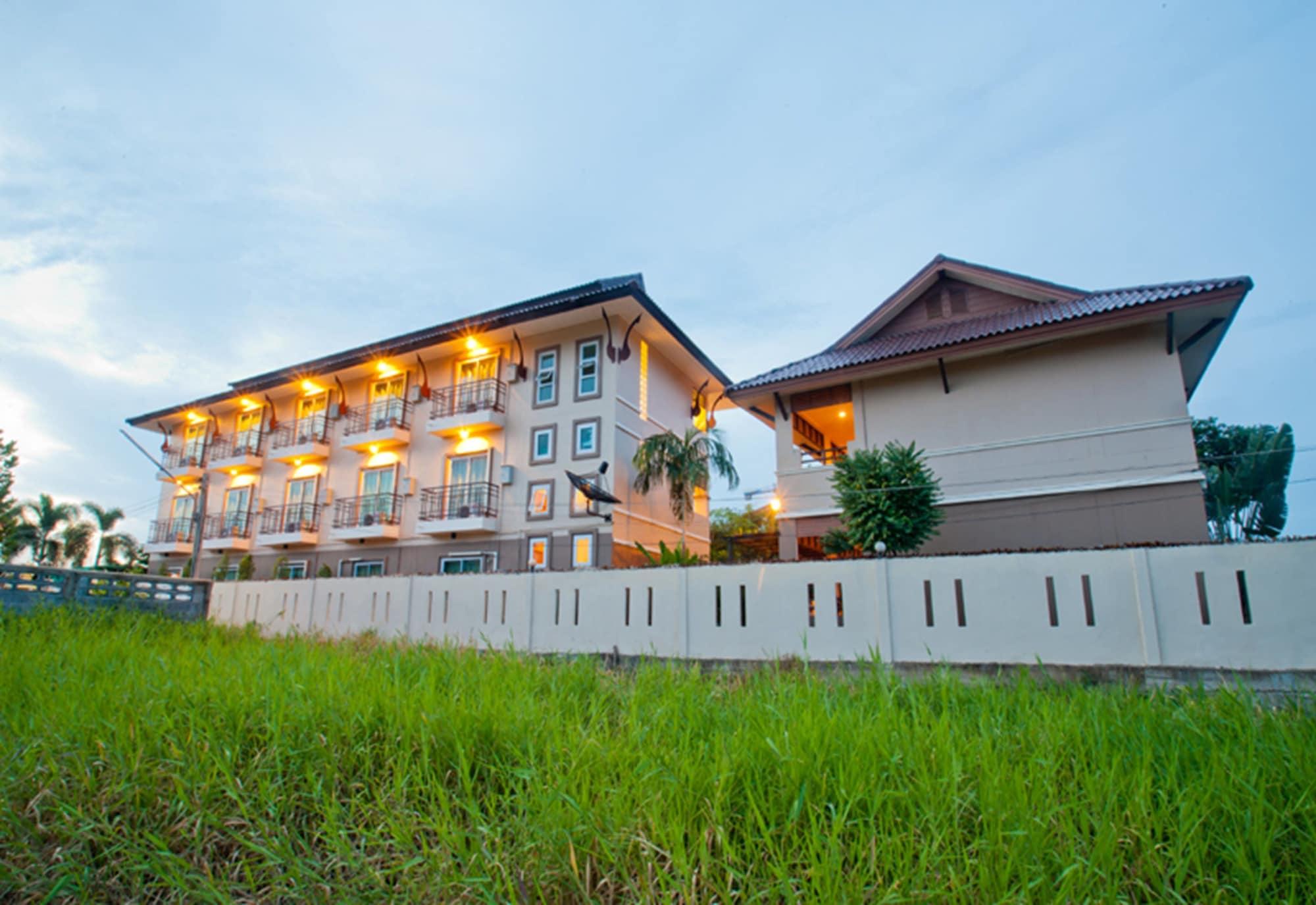 Fahluang Residence, Muang Phichit