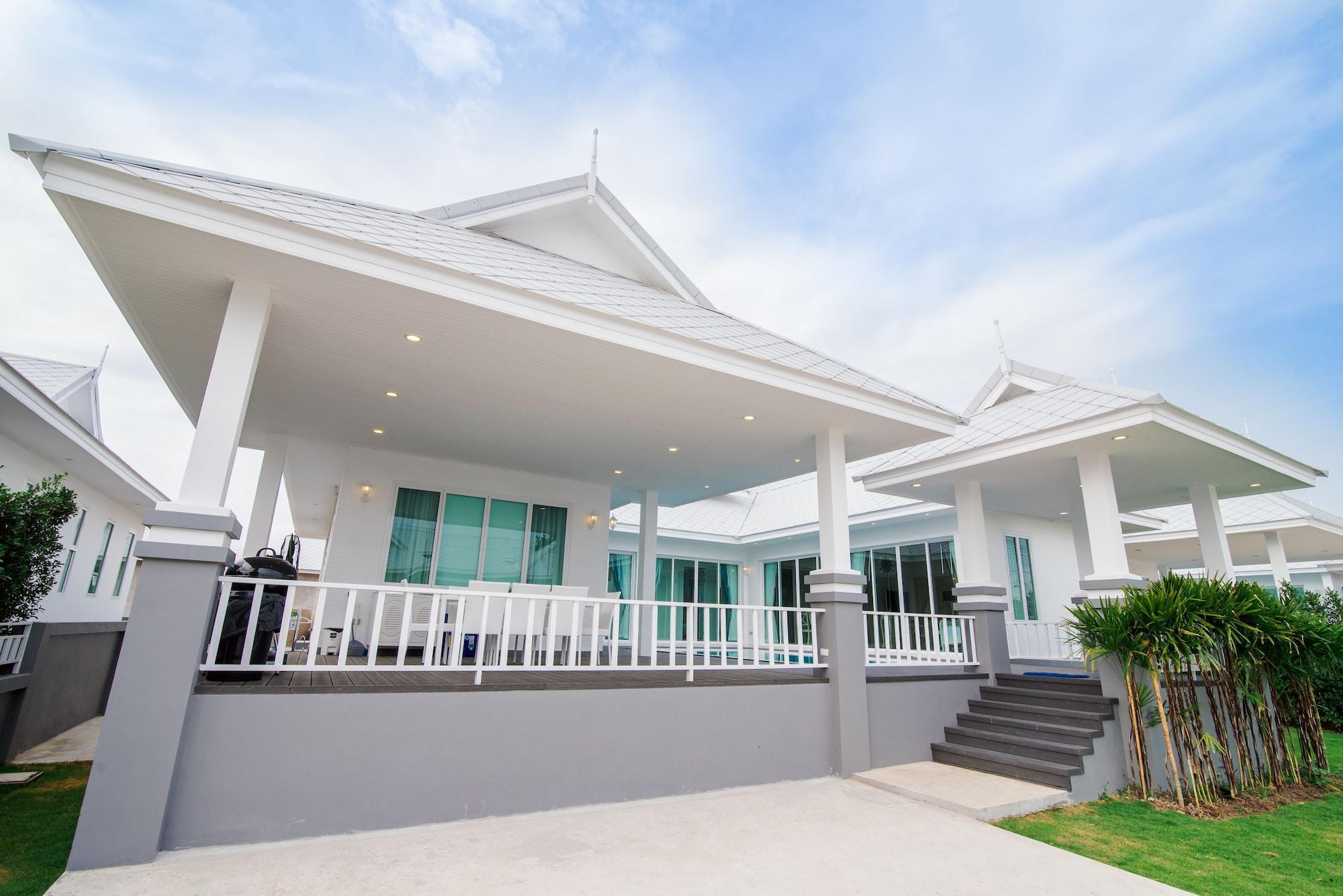 Wan Arun Houses, Muang Prachuap Khiri Khan