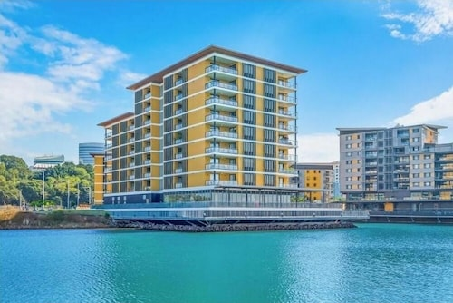 2 Bedroom Waterfront Apartment - 6206, City - Inner