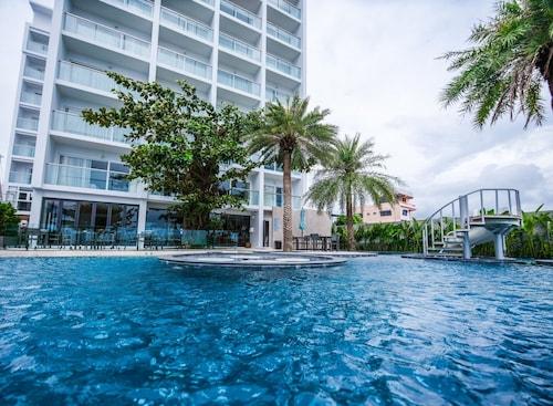 . Worita Cove Hotel