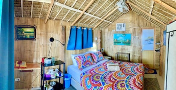 JOHAN'S BEACH AND DIVE RESORT Room