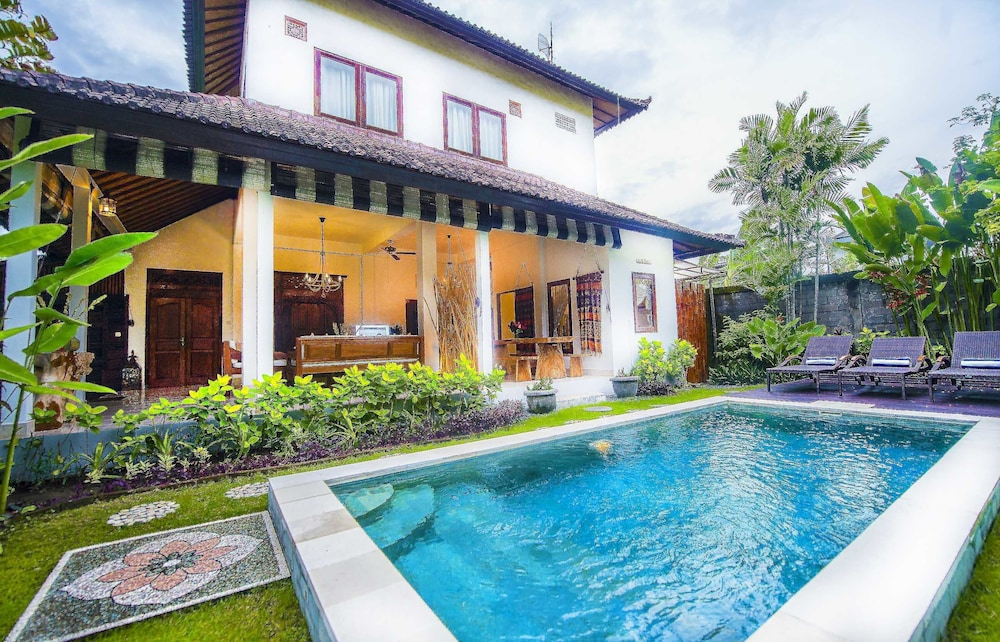 Enjoy 3 Bedroom Villa