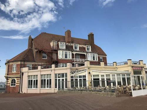 . Pier Hotel