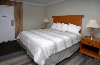 Guestroom at Ocean Dunes by Elliott Beach Rentals in Myrtle Beach
