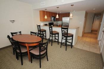 In-Room Dining at Units at Sandy Beach Resort by Elliott Beach Rentals in Myrtle Beach