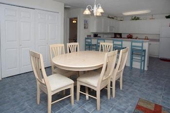 In-Room Dining at Sea Island Villas by Elliott Beach Rentals in North Myrtle Beach