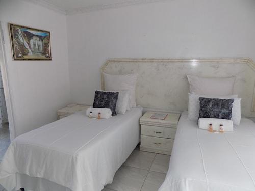Joezebel Guest House, Bojanala