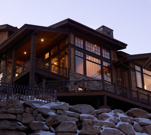 Whitetail Lodge - Five Bedroom Home, Summit
