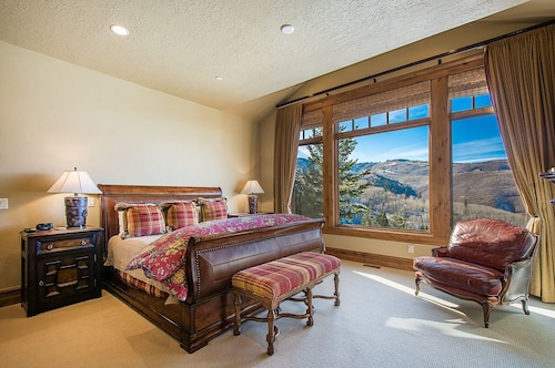 Blacktail Lodge - Five Bedroom Home, Summit