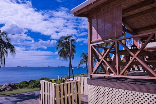 . Orange Bay Hotel