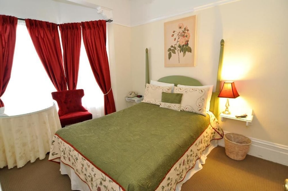 Economy Double Room, Shared Bathroom