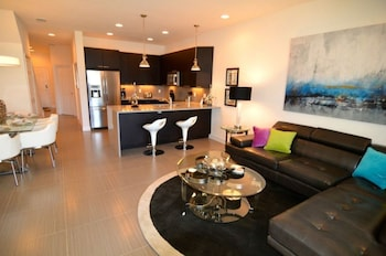 Serenity 17440 - Three Bedroom Townhome with Private Splash Pool