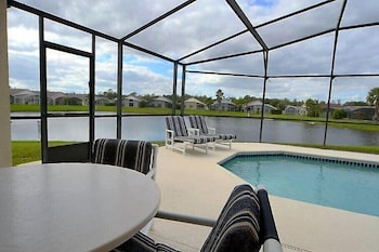 Eagle Pointe 1012 - Three Bedroom Villa with Private Pool