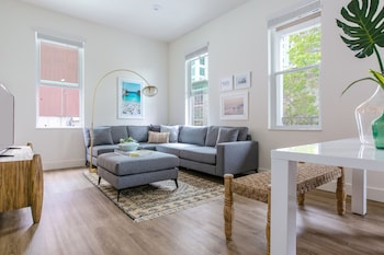 Stunning 2BR in Little Italy by Sonder photo