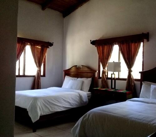 HOTEL HUELLA LENCA, Yamaranguila