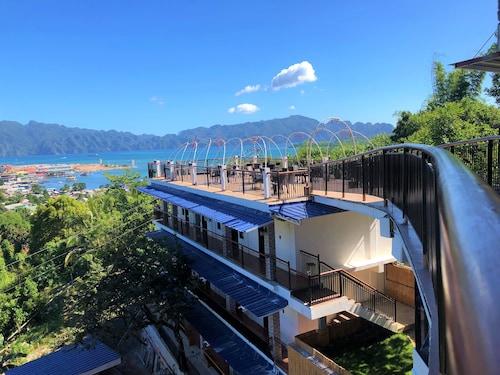 Skylodge Resort, Coron