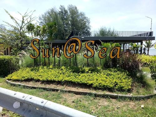 Sun at Sea, Tha Mai
