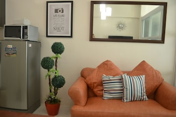 YOHAN'S COOLSPACE TAGAYTAY Living Area