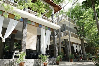 LA LUZ BEACH RESORT Exterior