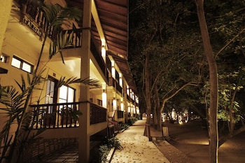 LA LUZ BEACH RESORT Front of Property - Evening/Night
