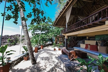 LA LUZ BEACH RESORT