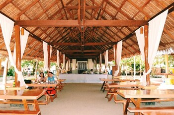 LA LUZ BEACH RESORT Restaurant