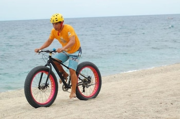 LA LUZ BEACH RESORT Bicycling