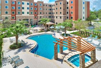 蓋恩斯維爾 I-75 駐橋套房飯店 Staybridge Suites Gainesville I-75, an IHG Hotel
