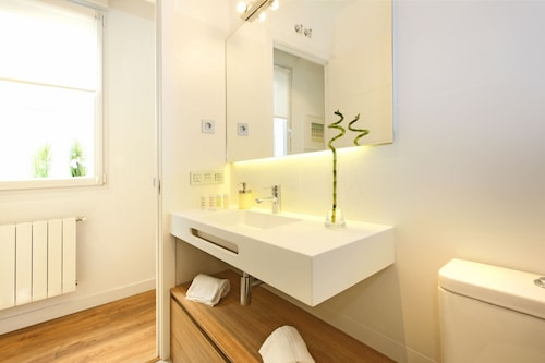 Opera Suite - Madflats Collection, Madrid