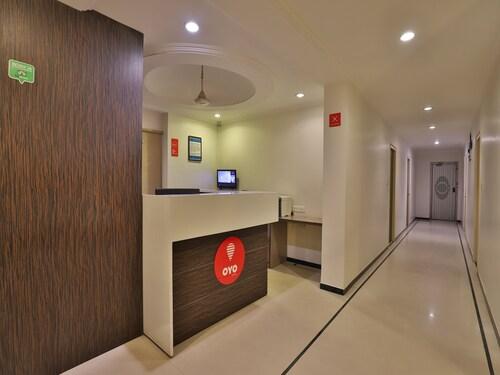 OYO 10044 Hotel Dudawat, Ahmadabad