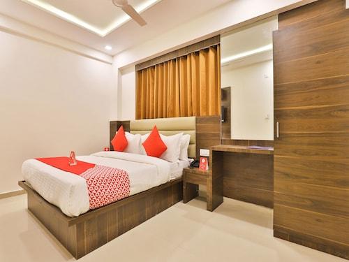 OYO 11922 Hotel Sunstar Inn, Gandhinagar