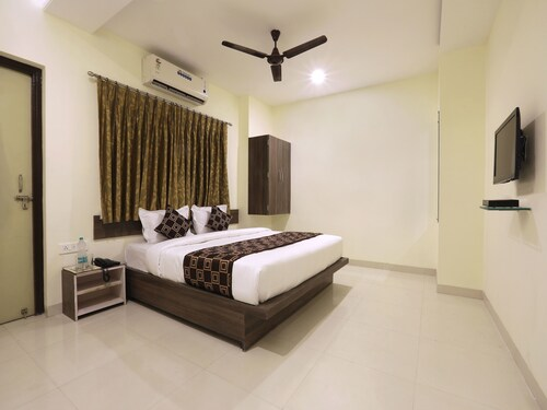 OYO 10507 Hotel Platinum, Aurangabad