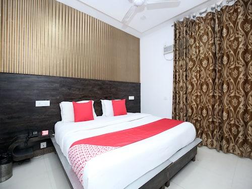 OYO 13431 Hotel Royal Blue, Panchkula