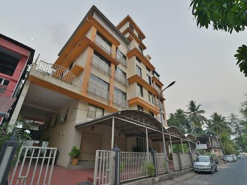 OYO 12993 Pramila Court, North Goa