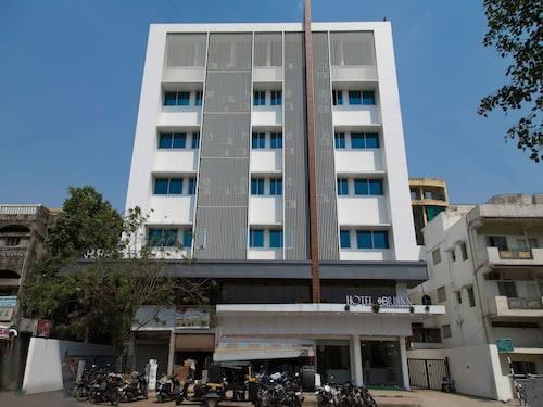 OYO 13004 hotel brij inn, Nagpur
