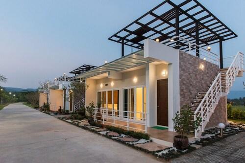 Ravin Home Resort, Pak Phli