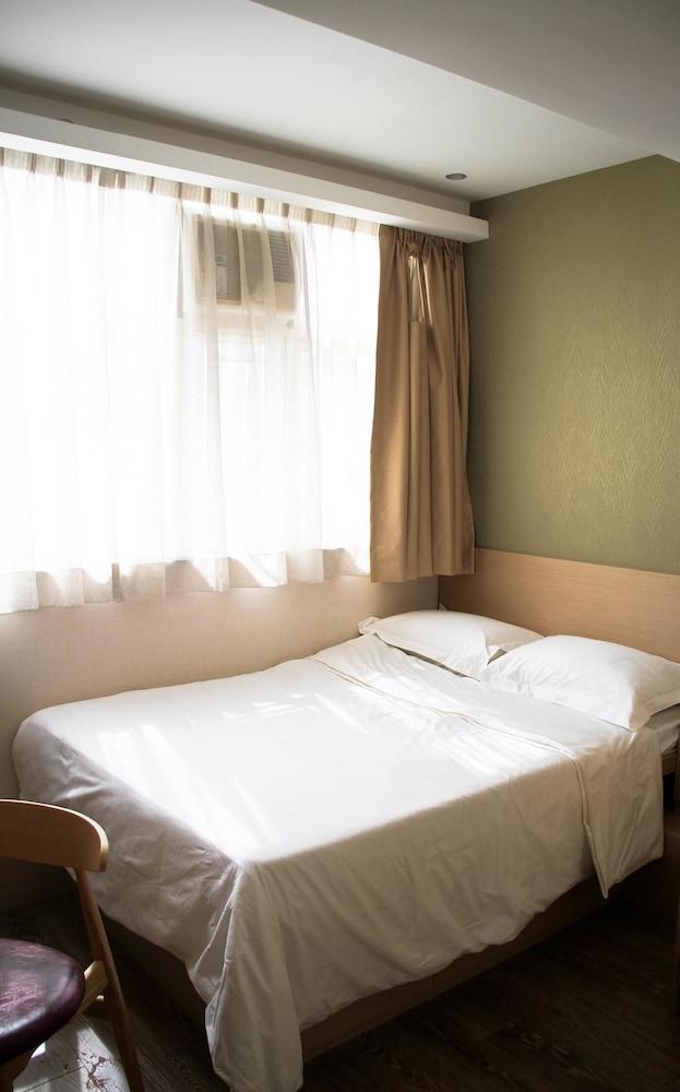 エース アパートメンツ香港